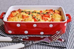 Tomaten-Paprika-Auflauf mit Soja-Hackfleisch und Rosenkohl