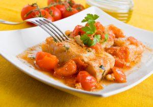 Fischfilet mit Tomaten und Paprika