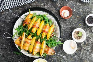 Kartoffel-Bacon-Spieße mit Rucola