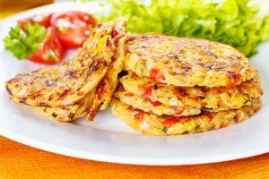 Reibekuchen mit Paprika und Zucchini