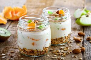 Apfelquarkcreme mit Mandarine, Kiwi und Granola