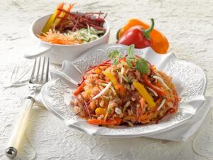 Bunter Reissalat mit Ingwer-Sesamöl-Dressing