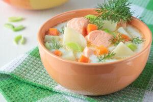 Lachsforelleneintopf mit Kartoffeln, Möhren und Dill