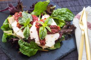Salat-Burger mit Pute und Champignons