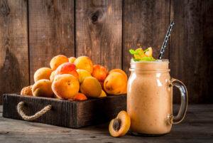 Aprikosen-Smoothie mit Orange