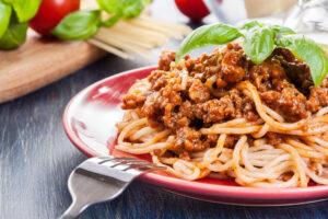 Vollkornspaghetti mit Hackfleisch und Aubergine